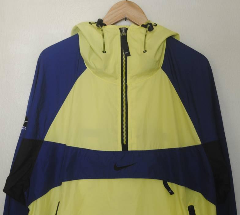 7d7ce689a6 Nike ACG Vintage NIKE ACG Swoosh Hoodie 1990s neon windbreaker jacket  sweater Medium   1990s Sport