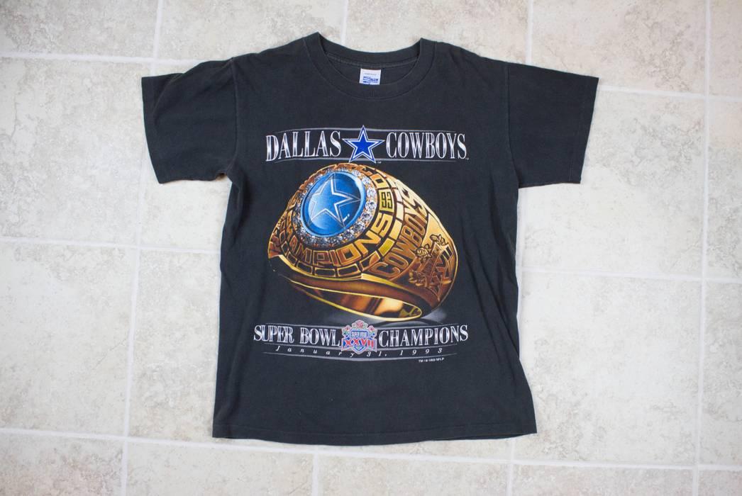 Vintage 1993 DALLAS COWBOYS SUPERBOWL CHAMPS VINTAGE T SHIRT BY SALEM  SPORTSWEAR Size US M   417d20f22