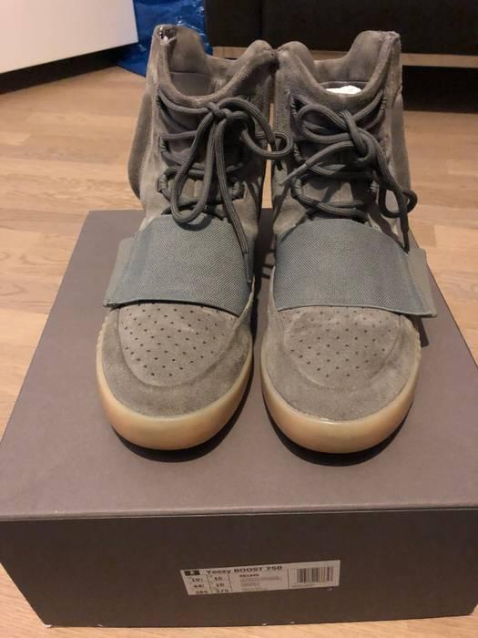 quality design 67c7b 671d2 Adidas Yeezy Boost 750 Grey Gum Size US 10.5  EU 43-44