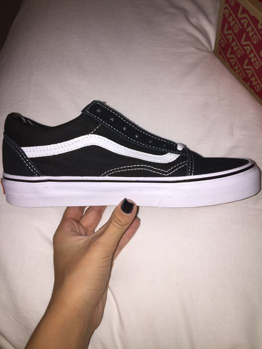 e8c271d7e40 Vans NEW Old Skool Vans in B W Size 6 - Low-Top Sneakers for Sale ...