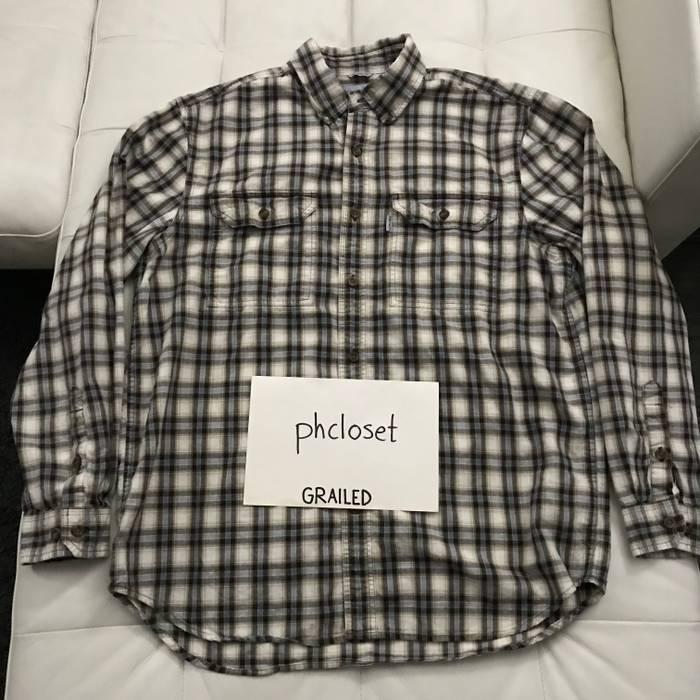 1fed8cf3d39 Vintage Carhartt Men s Cotton Flannel Plaid Button Up Work Shirt - Size L  Size US L