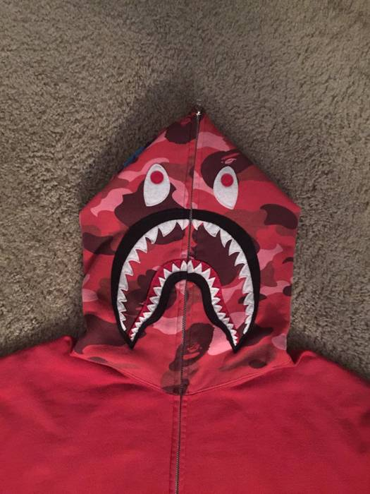 1cb8168f66b0 Bape OG Red Camo Shark Hoodie Size m - Sweatshirts   Hoodies for ...