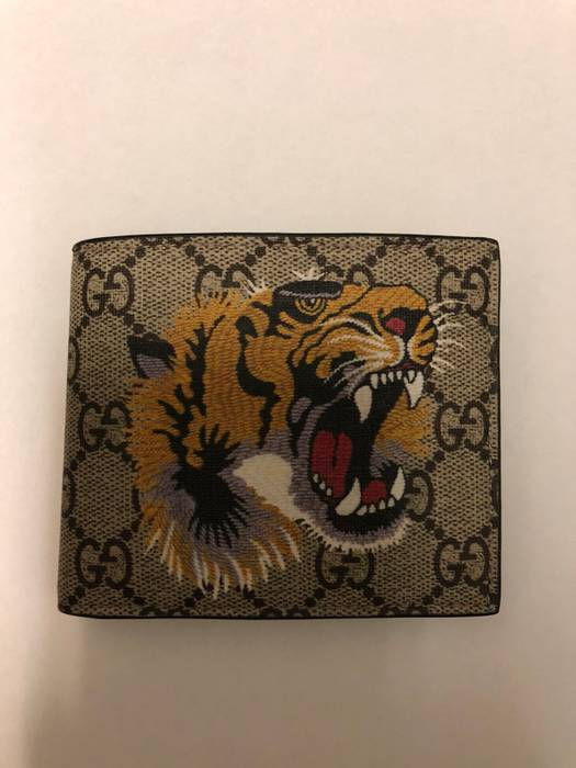 73e730fe3fe7 Gucci Tiger Print GG Supreme Wallet Size one size - Wallets for Sale ...