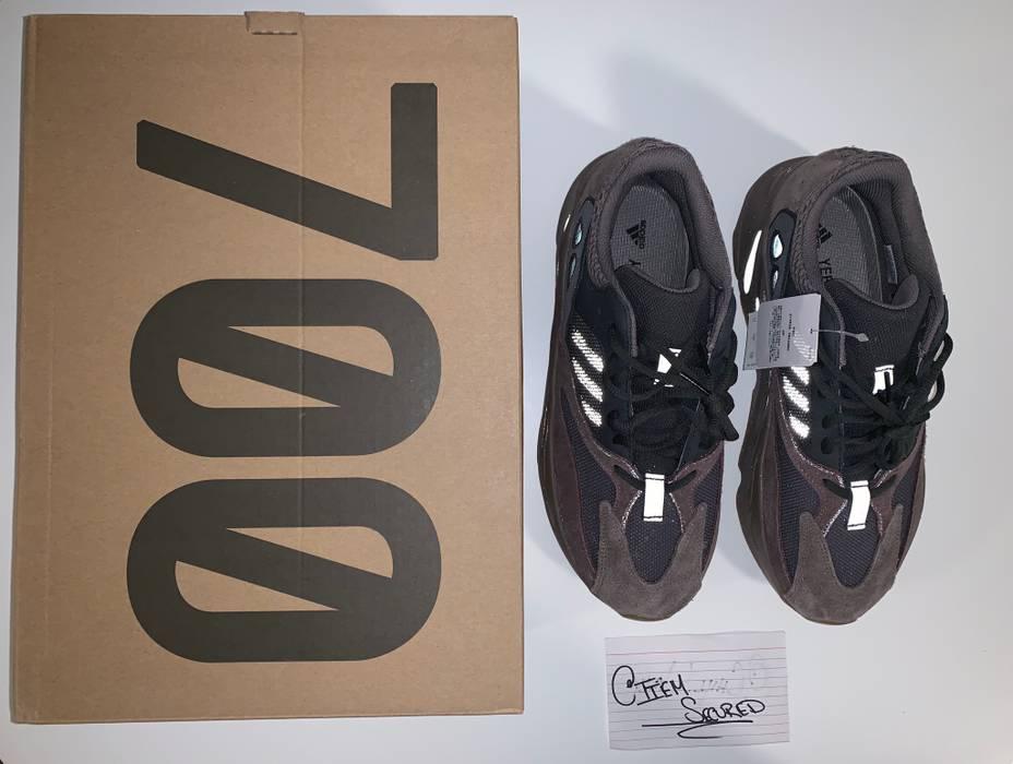 d3e8d5e039eb6 Yeezy Boost Adidas Yeezy Boost 700 - Mauve Size 11 - Low-Top ...