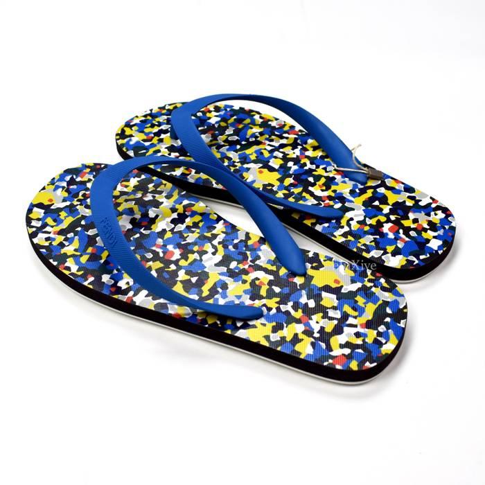 bc4bfddc000dc Fendi Multicolor Granite Print Logo Flip Flops NWT Size US 6   EU 39 - 5