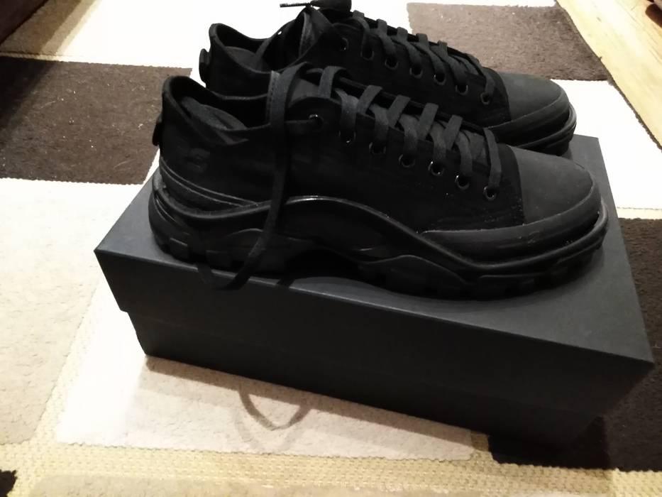 on sale 4676e 6ce61 Adidas BNWT RS Detroit Runner Core Black Size US 9  EU 42 -