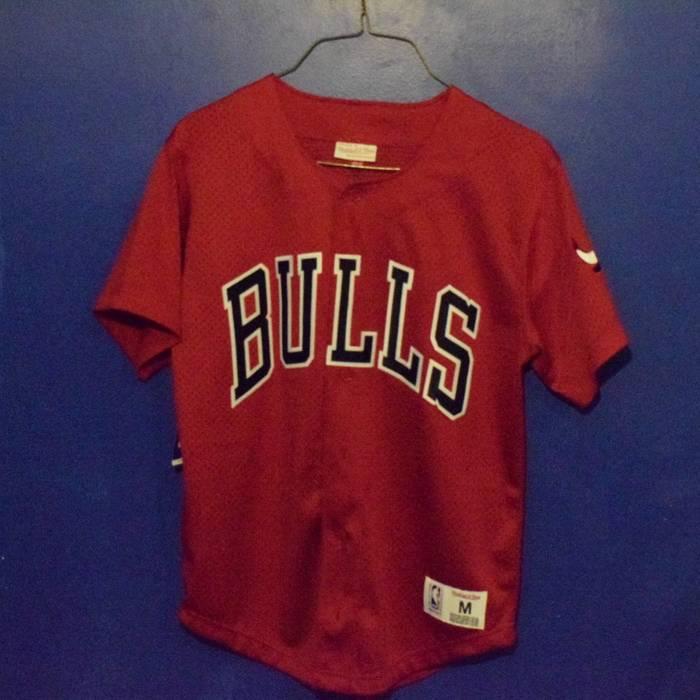 f388c5a4a53 ... official mitchell ness chicago bulls red baseball jersey size us m eu  48 50 df2d0 108b8 ...