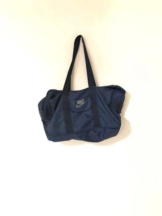 421b6f0dbdd3 Nike Vintage Nike Grey Tag Duffle Bag Size one size - Bags   Luggage ...