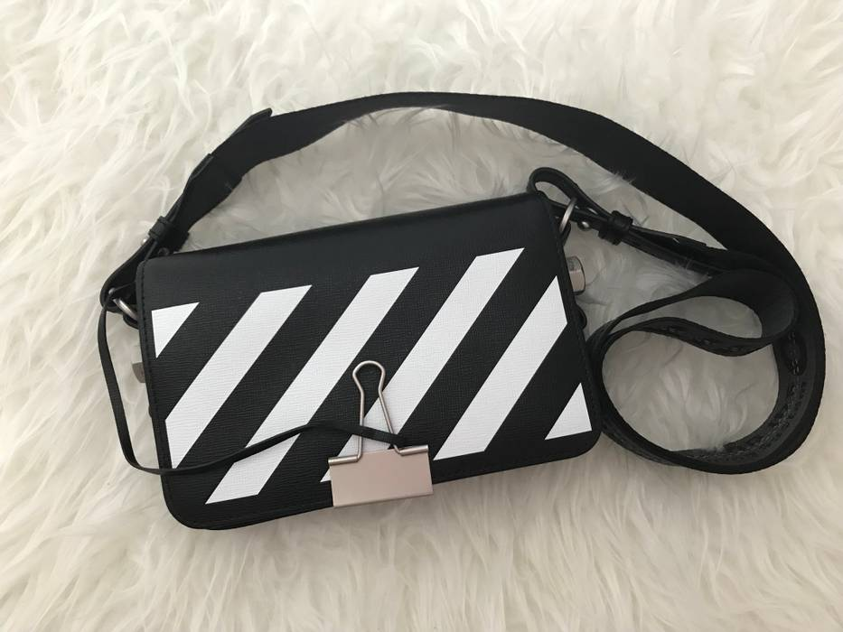 Off-White New Mini Clip Binder Bag Size one size - Bags   Luggage ... c8d40aaf157cf