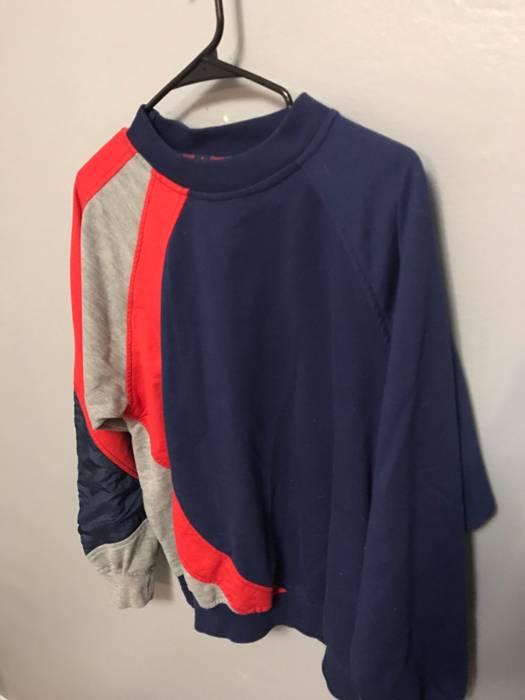 ddb1349cf4351 Reebok Vintage Reebok Sweater Pull Over Size m - Sweaters   Knitwear ...