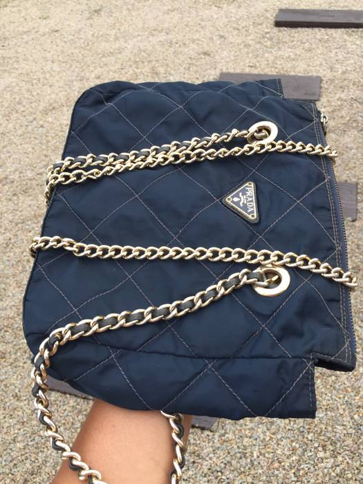 ️CHRISTMAS SALE SALE SALE‼️RARE   VINTAGE COLLECTION‼️Authentic PRADA  Quilted Chain ed4b9fa3b3b62