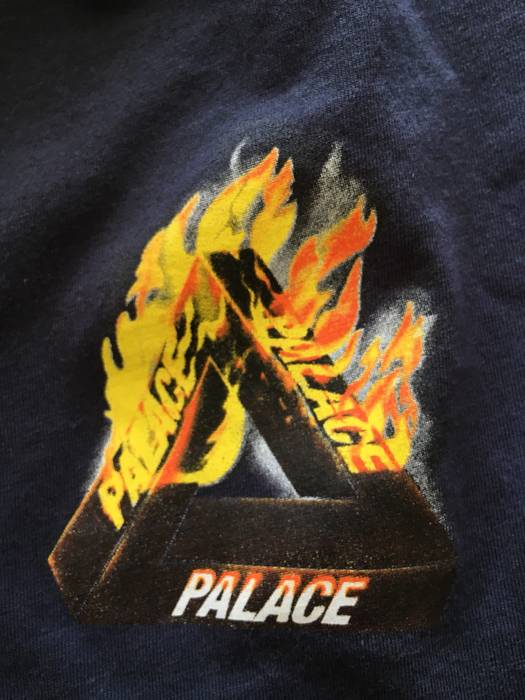 9ba061bbddc4 Palace Smoke And Fire Tri Ferg Size l - Short Sleeve T-Shirts for ...