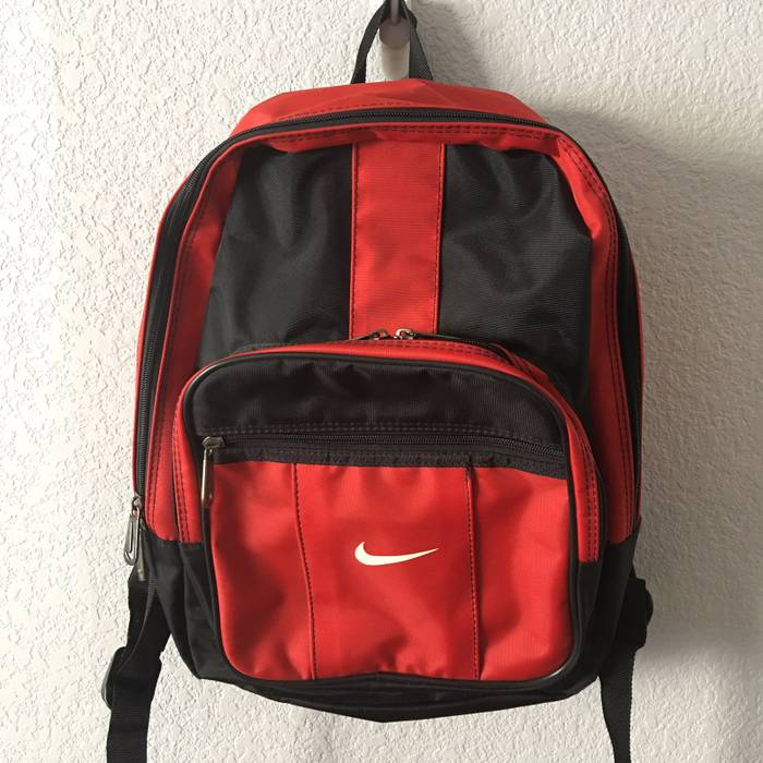 2c3715c6bca Nike Vintage Nike Bred Backpack Size one size - Bags   Luggage for ...