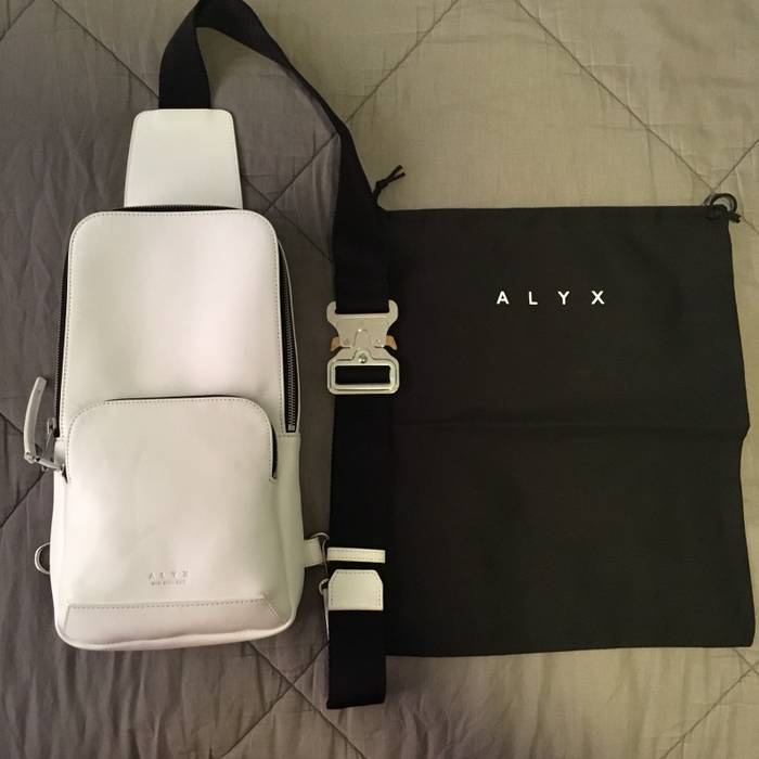 4638b1abe1 Alyx Brand New White Crossbody Bag Size one size - Bags   Luggage ...