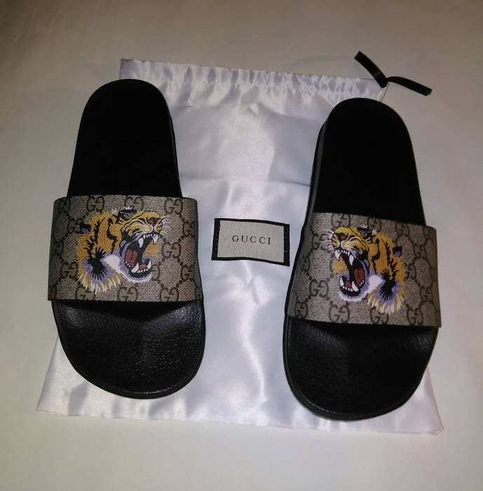5259cf2378b Gucci GG Supreme tiger slide sandal Size 11 - Slip Ons for Sale ...
