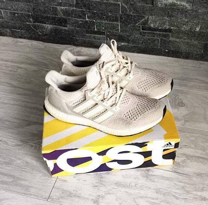 5746bb4d30a Adidas CREAM   CHALK ULTRA BOOSTS 1.0 Size 11 - Low-Top Sneakers for ...