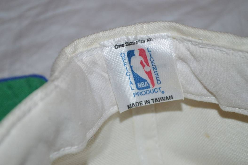 Vintage Vintage 90s Logo Athletic New York Nets NBA Sharktooth Snapback Hat  Autographed by Keith Van 20c593f4aae7
