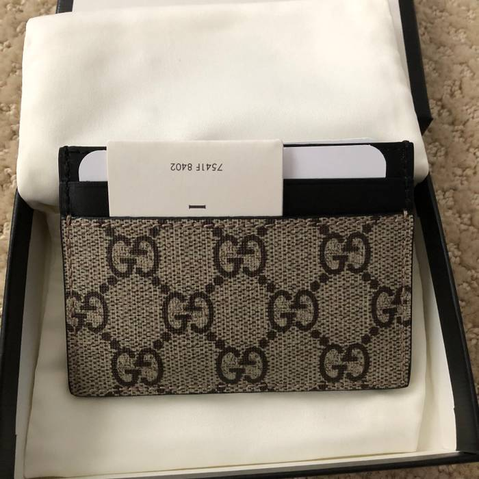 33d5ee06a20 Gucci Gucci Beige Black GG Supreme Bee Print Card Holder Wallet Size ONE  SIZE - 2