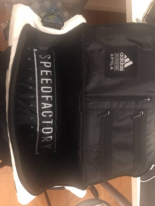 be39332ac55a60 Adidas Adidas x Private Label NYC AM4LA Shoe Duffle Bag Size ONE SIZE - 8