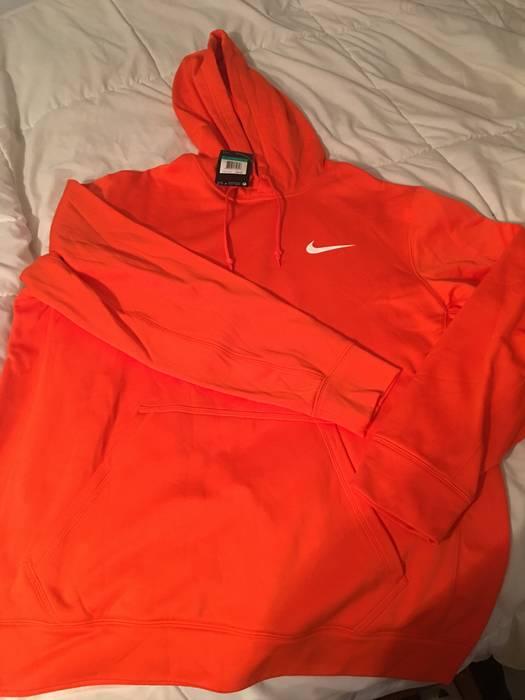 7887171b4e9d Nike NIKE Therma-Fit Orange Hoodie Size xl - Sweatshirts   Hoodies ...
