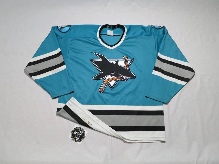 0b83015b6 Vintage Vintage NHL San Jose Sharks CCM hockey jersey Size US L   EU 52-
