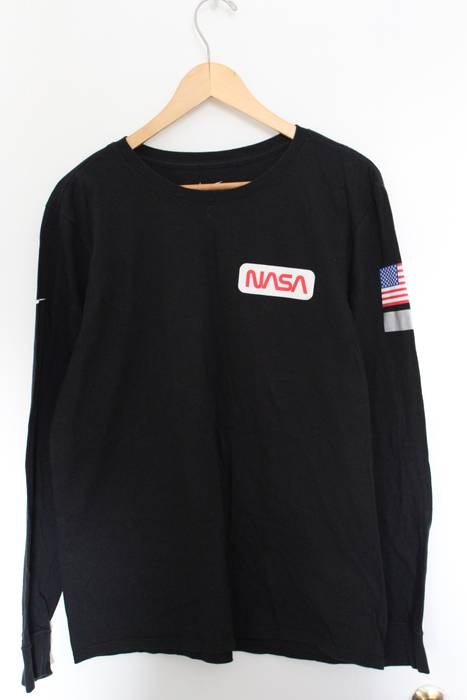 Nike Nike x Tom Sachs NASA Long Sleeve Size m - Long Sleeve T-Shirts ... f8fa302eb082