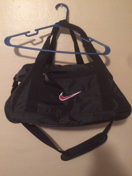 8677e5ac9590 Nike Vintage Nike Gym Bag Size one size - Bags   Luggage for Sale ...