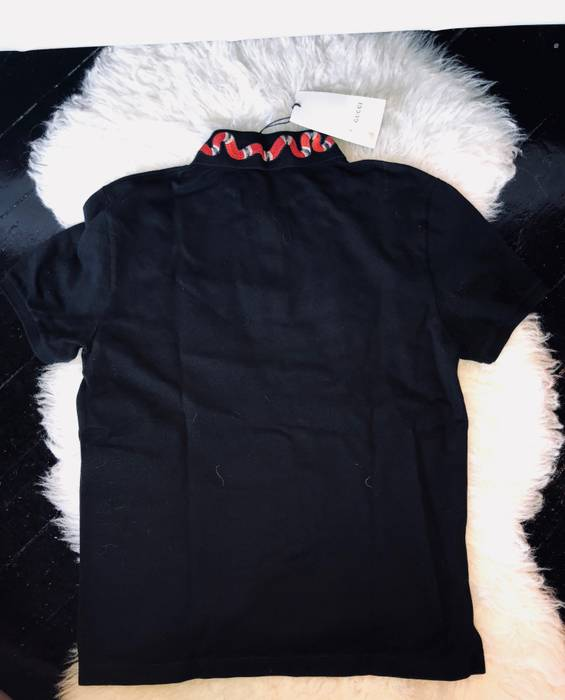 c2b8954a0e6 Gucci Gucci Black Kingsnake Polo Size l - Polos for Sale - Grailed