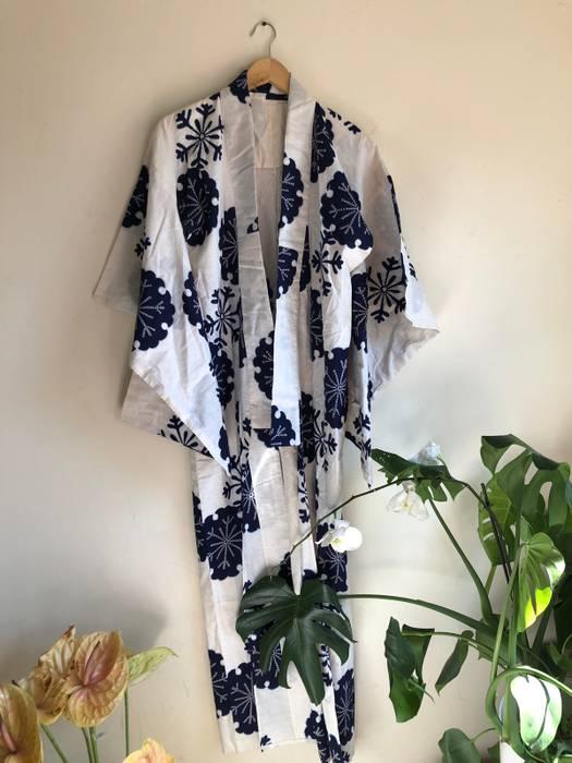 b9619de3b3ad Vintage White   Blue Snowflake Winter Summer Cotton Long Kimono Robe (Final  Price Drop)