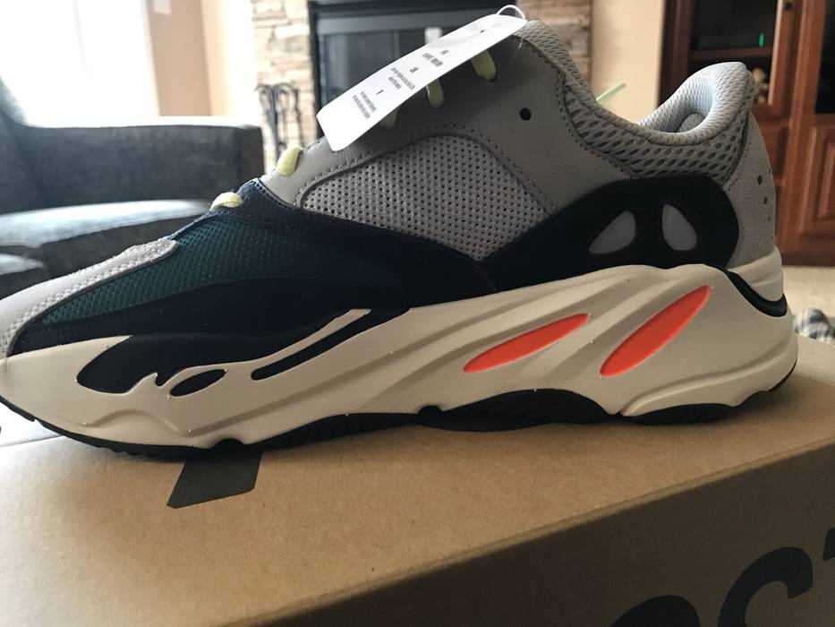 4a3484f95 Adidas Yeezy 700 Wave Runner Size 9 - Low-Top Sneakers for Sale ...