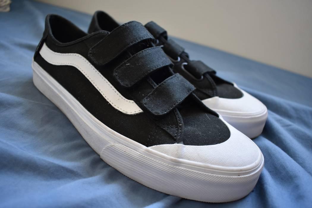 8ce2e9c19e63 Vans Vans Velcro Strap Old Skools with Toe Cap Ultra Cush Size 9 ...