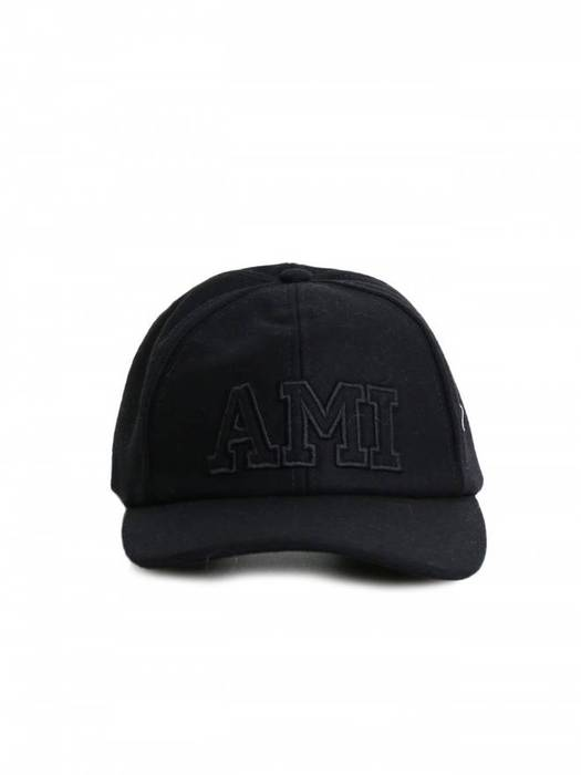 c526e8025d8 Ami 6-Panel Baseball Cap Size one size - Hats for Sale - Grailed