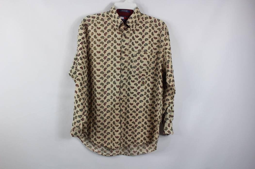 729a40e71e033b Vintage Vintage 90s TOMMY HILFIGER Mens Medium All Over Paisley Print  Button Shirt Tan Size US