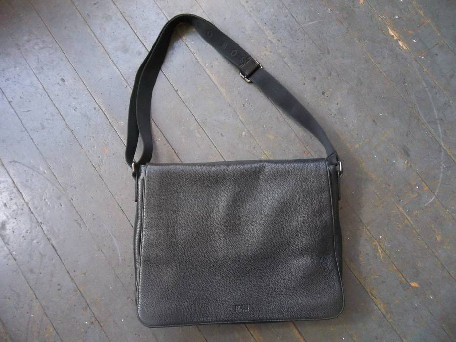 344aca0ab305 Hugo Boss Hugo Boss Bangor Pebbled Leather Black Messenger Bag Size ONE  SIZE - 1