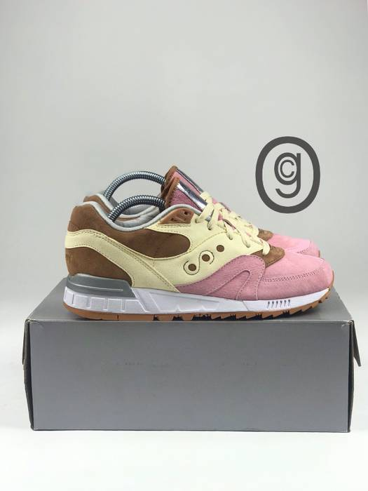 Saucony Shadow Master (Space Snack) Size 8 - Low-Top Sneakers for ... b0c45df4e
