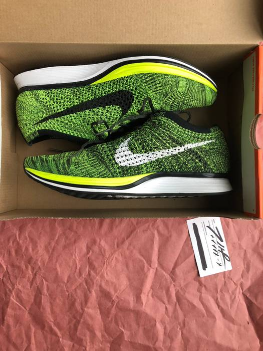 730614ea15aa Nike Nike Flyknit Racer Volt Size 9.5 - Low-Top Sneakers for Sale ...