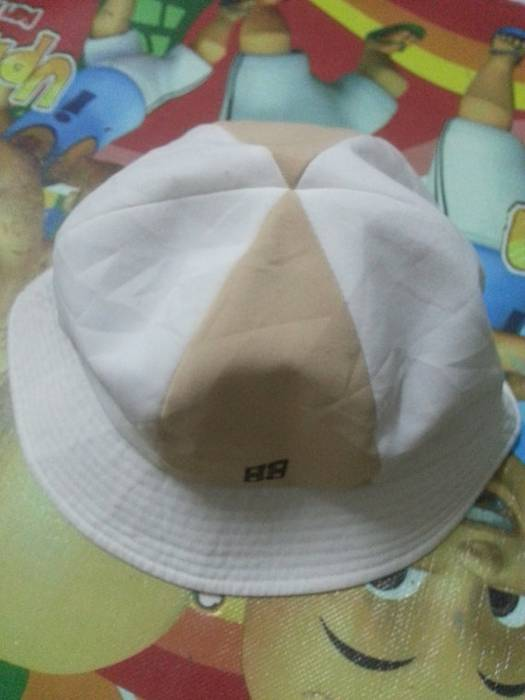 a792b3921f1 Givenchy Givenchy Paris Bucket Hats Size one size - Hats for Sale ...