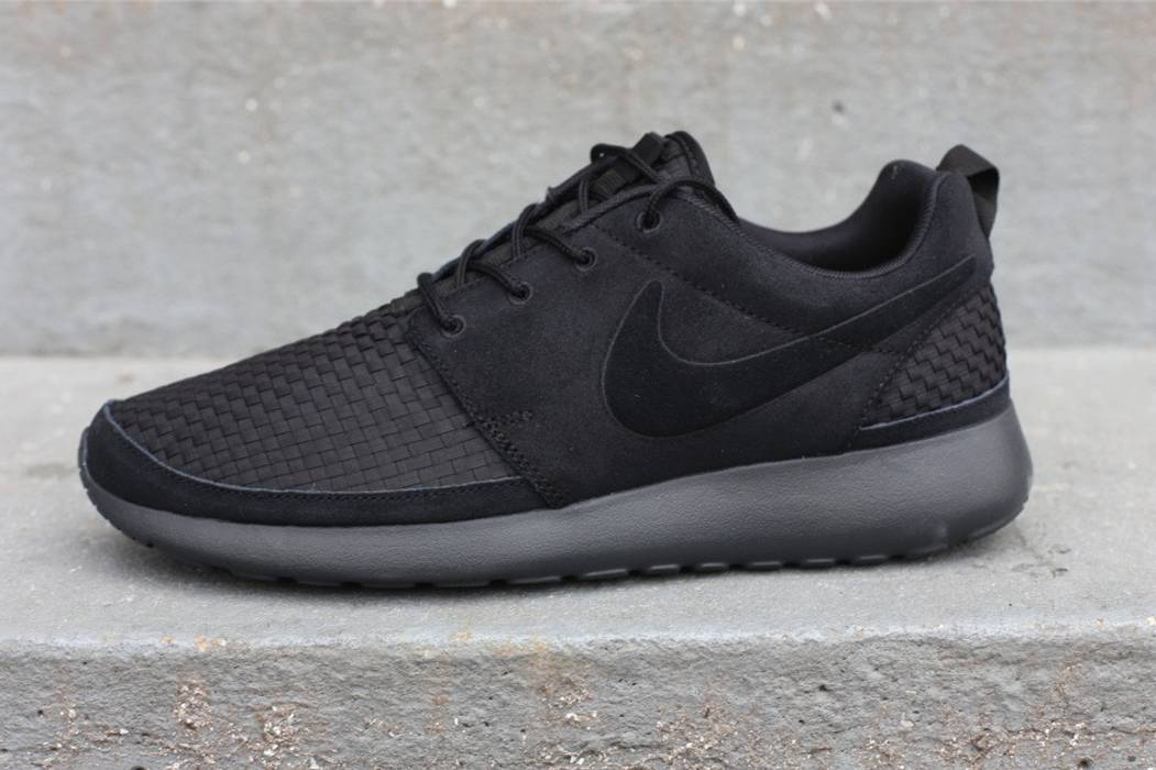 Nike Roshe Run Woven (2011) Size 10.5 - for Sale - Grailed b6e633618a