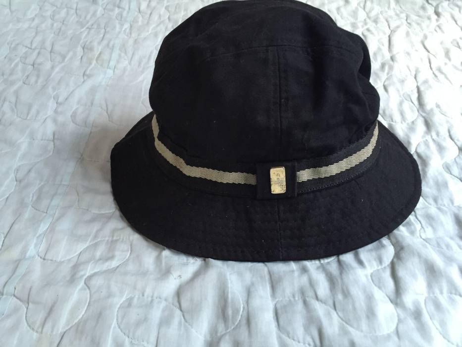 Gucci Authentic GUCCI Logo Made In ITALY Black Medium BUCKET HAT CAP ... c7edfe93a764
