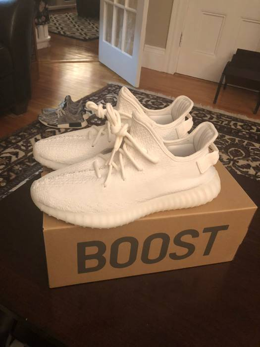 90a5619a1c589 Adidas BLACK FRIDAY SALE MAKE AN OFFER Yeezy Boost 350 V2 Cream Triple White  Deadstock 9