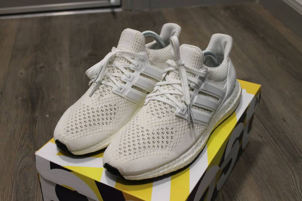 bdede67e3 Adidas Ultra Boost White 1.0 Size 8 - Low-Top Sneakers for Sale ...