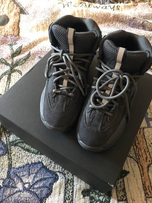 3292735a5a4a6 Yeezy Season 6 Desert Rat Boot On Feet - Collection Of Rat Types