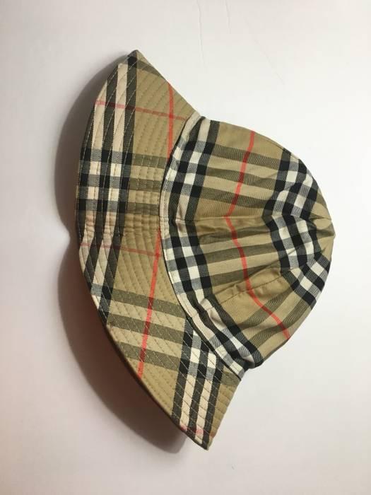 Vintage Vintage Burberry Bucket Hat Size one size - Hats for Sale ... b32d714e623