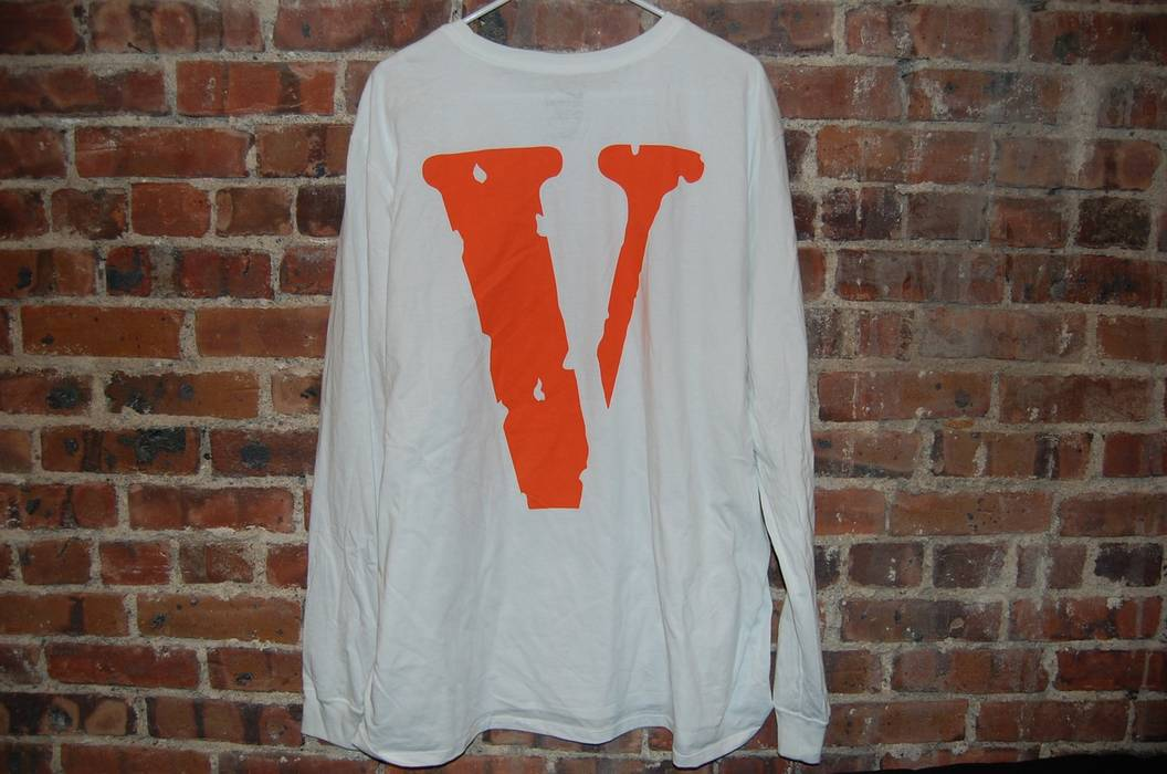 f16969974cc2 Nike Vlone x Nike White Long Sleeve Tee + Pins Size xxl - Long ...