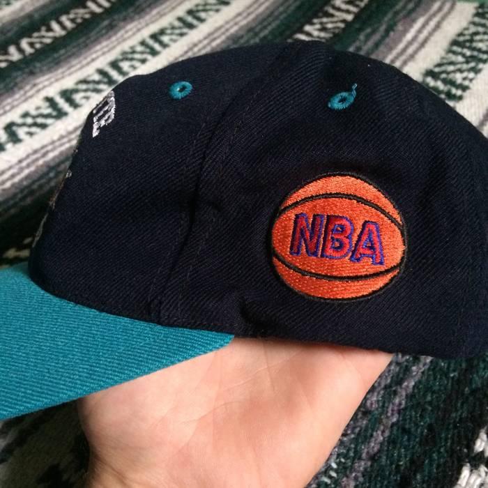 Vintage Vintage 90s Charlotte Hornets Dad Hat Strapback Embroidered Old  Logo Black Teal NBA Basketball CLT fdb1fc28268d