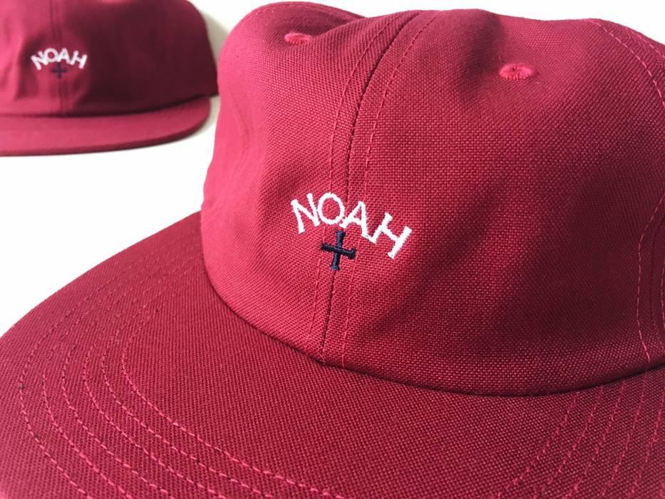 12e71431ae5b Noah NOAH NY CANVAS 6-PANEL  FW 16  CORE LOGO RED FUCHSIA BOX LOGO ...