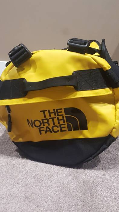 54ecf46c09 Vans VANS X TNF BASE CAMP DUFFEL Size one size - Bags   Luggage for ...