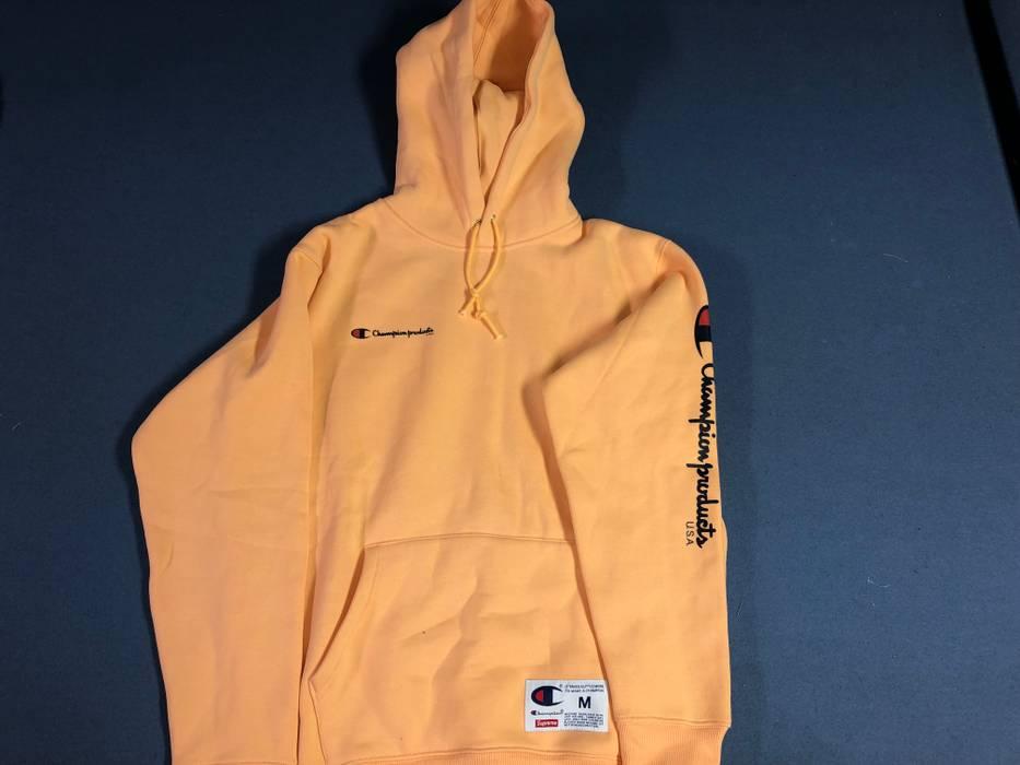 f4dfd5eebd56 Supreme FW16 Peach Hoodie Size m - Sweatshirts   Hoodies for Sale ...