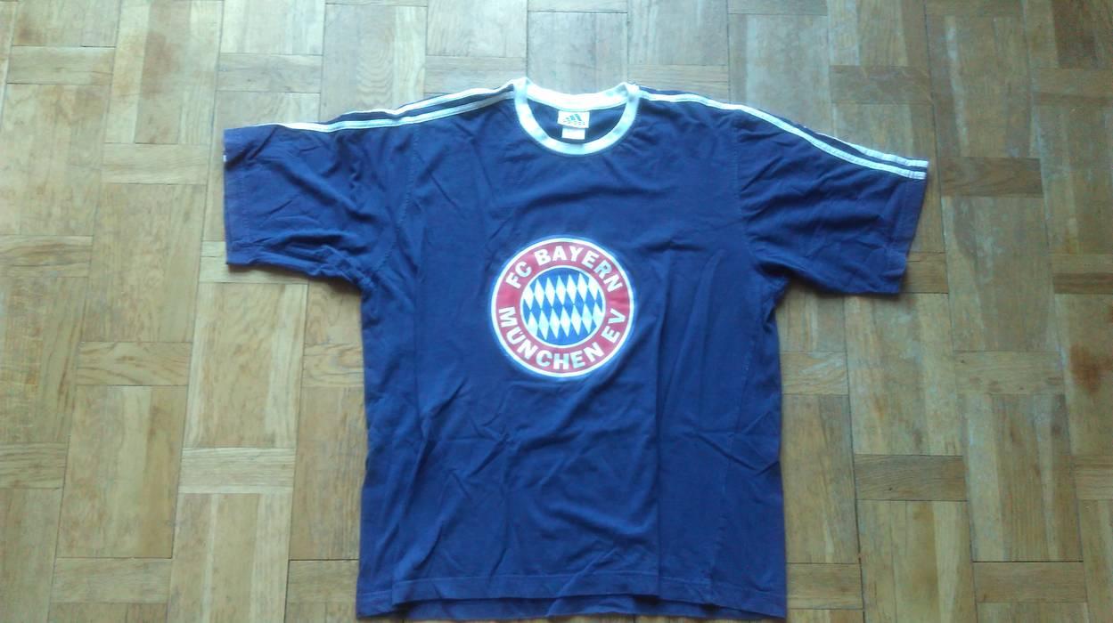 purchase cheap 68f6b 614fe Adidas Vintage Adidas T-shirt Football Club Bayern Munchen EV Tee NAvy Blue  Adidas Soccer Club ...
