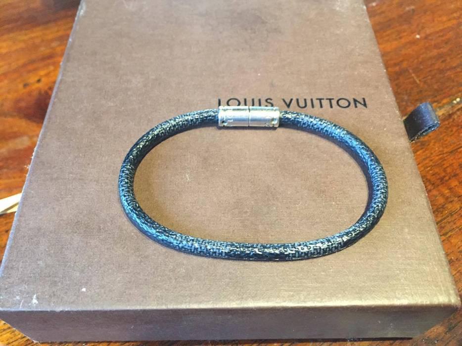 Louis Vuitton Mens Bracelet Size One